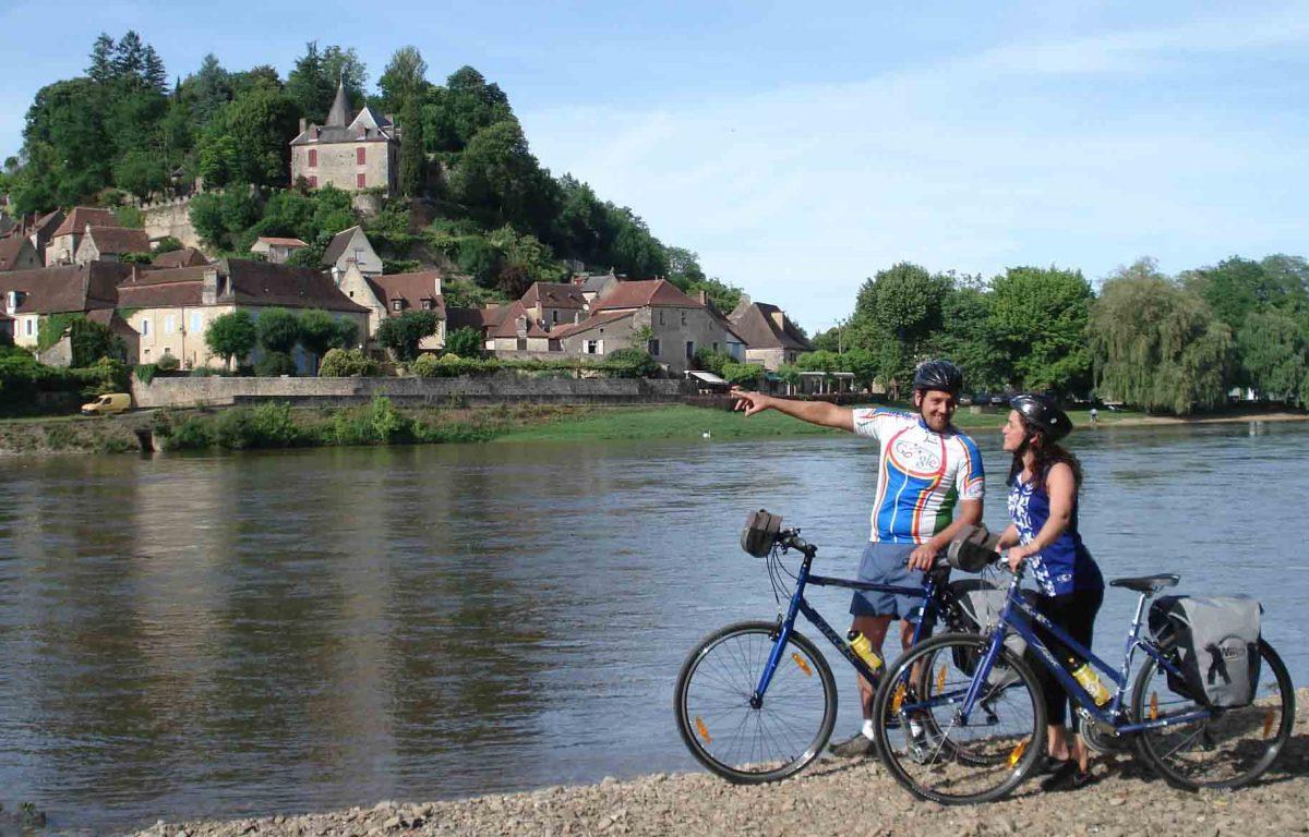 À vélo dans la vallée de la Dordogne